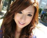 Asiatique nue avec de gros seins