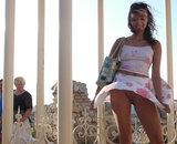 femme exhibitionniste sans culotte