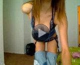 Vidéo striptease webcam d'une jeune brune