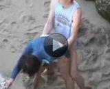 Baise sauvage à la plage