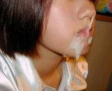 Grosse �jaculation faciale sur jeune asiatique