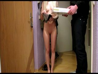 Elle paye sa pizza en se faisant éjaculer dans la chatte !!! | Video sexe et porno sur sexe18